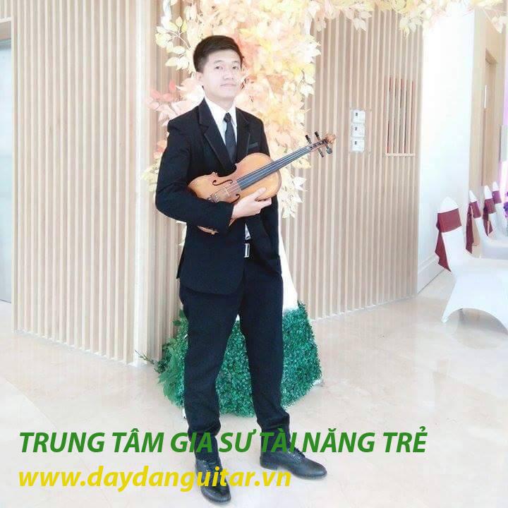 giáo viên dạy guitar