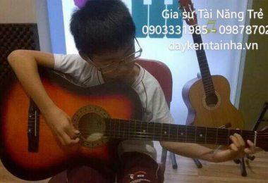 Gia sư dạy đàn Guitar chuyên nghiệp tại nhà